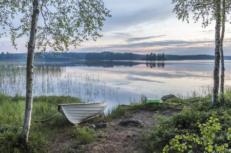 Midzomernacht landschap uit Finland Stockfoto
