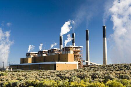 een kolengestookte elektriciteitscentrale in Wyoming
