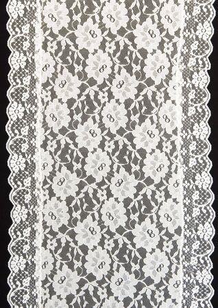Encaje blanco con un fondo negro  Foto de archivo - 5657123