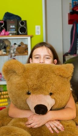 gir: Gir at home with bear