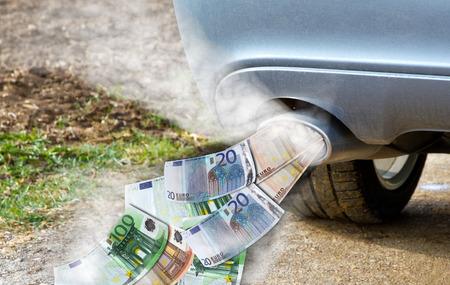 Costos de coches Foto de archivo - 33036233