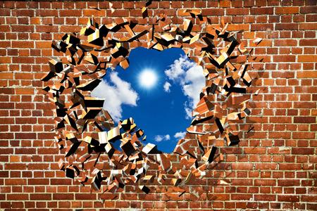 파란 하늘과 함께 깨진 된 벽돌 벽 behins 스톡 콘텐츠