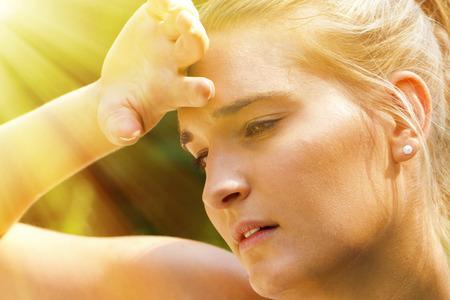 sudando: Un día de verano muy caliente