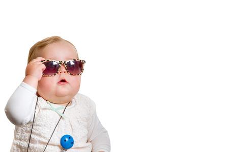 흰색 배경에 선글라스와 유아 스톡 콘텐츠
