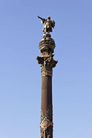 discoverer: Monumento a Crist�bal Col�n en Barcelona, ??Catalu�a, Espa�a. Composici�n vertical con fondo de cielo azul.