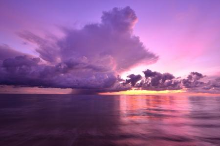 Coucher de soleil à la mer d'Andaman - Thaïlande