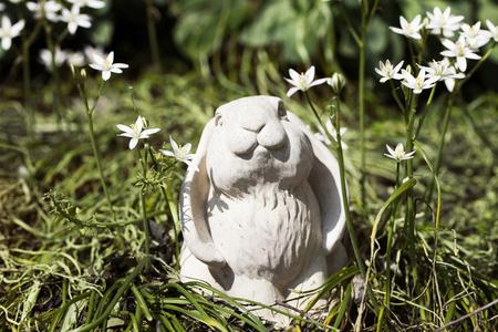 ceramica: conejo jardín de cerámica