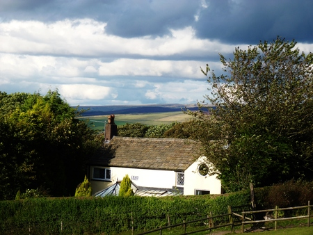 shaftesbury: cottage in the countryside scenic