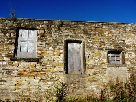 farm building: farm building dry stone wall