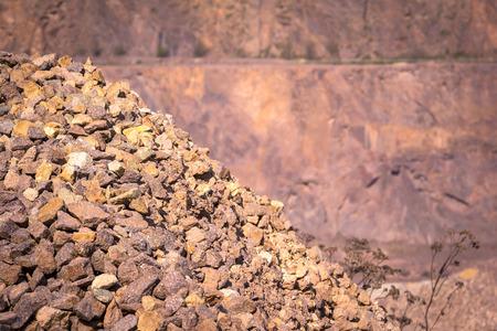 mining: Mina de hueco abierto de pórfidos de cuarzo Porfirio. Foto de archivo