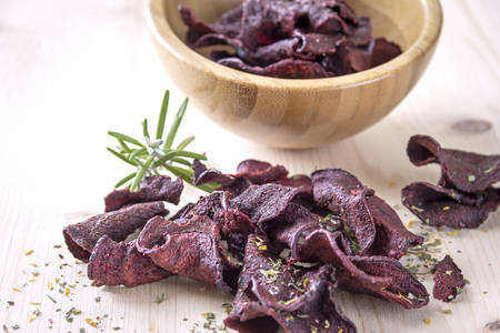 beetroot: Crispy beetroot chips with rosemary herb and gently baked. Refined with herbs.
