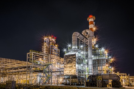 factory power generation: big Oil and gas Refinery At Night