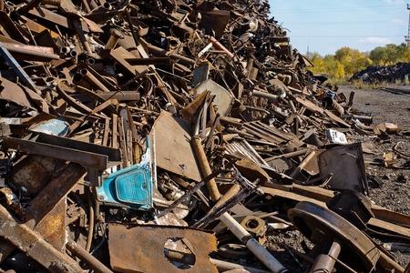 metallschrott: a lot of rusty scrap metal closeup