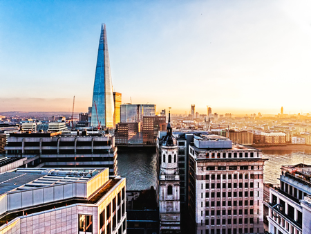 Aerial the new London skyline with The Shard Thames River and the skyscrapers of the City. City of London one of the leading centres of global finance. Banque d'images