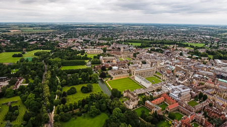 Aerial View of Cambridge University and Colleges, in England United Kingdom - Helicopter Drone Shot Banque d'images