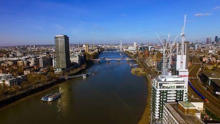 Vogelperspektive der Bau-Gebäude-Entwicklung in zentralem London-Meisterstück. die Themse