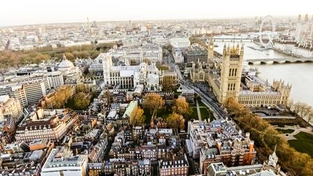 Aerial View Photo of Big Ben aka City of Westminster in London, England UK at Dawn Time Early Morning with Beautiful Sunrise in Autumn Banque d'images
