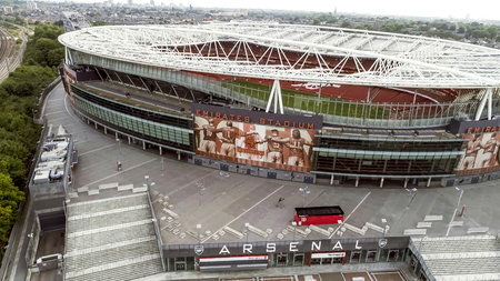Emirates Stadium on September 01, 2017. Flying by Aerial View Iconic Emirates Stadium in Highbury, London and the home of Arsenal Football Club in 4K Sajtókép