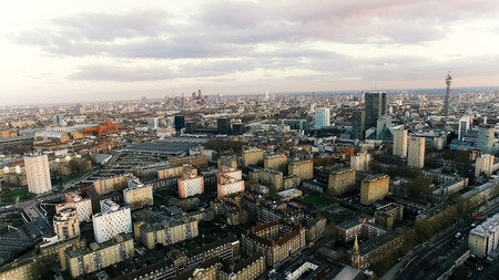 Aerial View Photo of London City Town Famous Landmarks and Residential Urban Area feat Apartments and Buildings Banque d'images