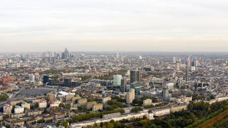 Aerial view cityscape of London with urban architectures. Icons of the London skyline feat residential neighborhood such as Euston, Fitzrovia, Marylebone with Central Famous Buildings in England, UK Banque d'images
