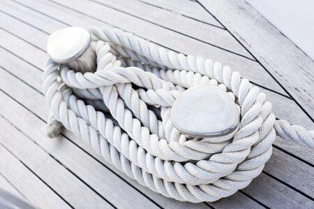 shroud: Rope tied