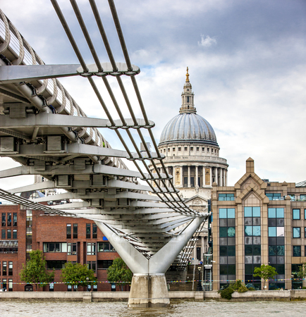 millennium bridge: London Millennium Bridge and St Paul Stock Photo