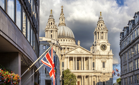 st pauls: Street View of St Pauls Cathedral, London. Taken from Ludgate Hill ST.