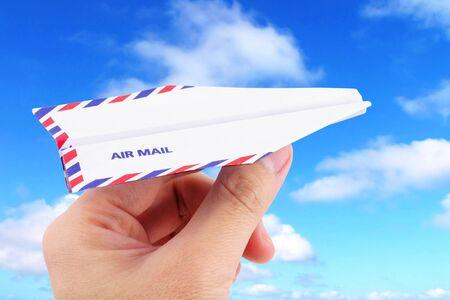 papierflugzeug: Umschlag Papier Flugzeug, Luftpost-Konzept
