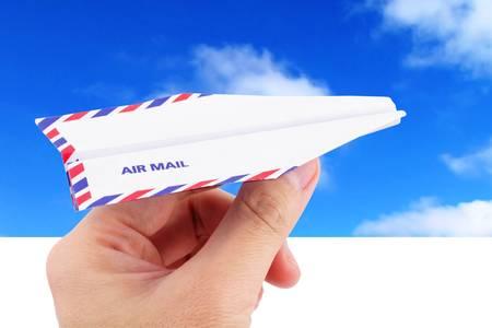 papierflugzeug: Umschlag Papier Flugzeug, Luftpost Konzept Lizenzfreie Bilder