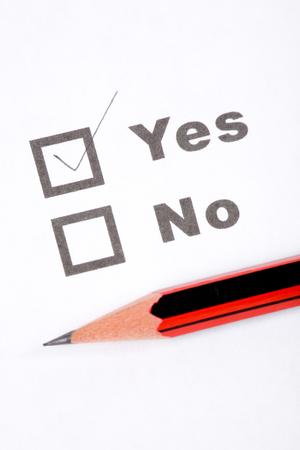 cuestionario y l�piz, concepto de decisiones Foto de archivo - 1630150