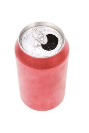 lata de refresco: un refresco de color rojo con fondo blanco puede