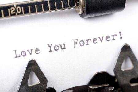타자기 닫기 샷, 사랑의 개념 당신은 영원히 스톡 콘텐츠 - 2040024