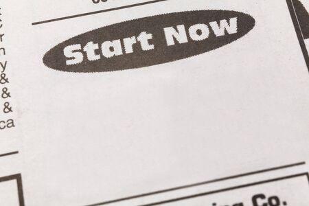 신문 고용 광고, 지금 시작, 고용 개념