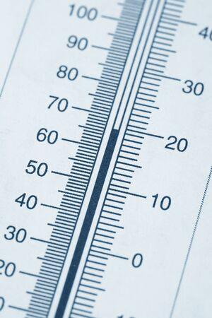 thermometer chart close up shot 版權商用圖片