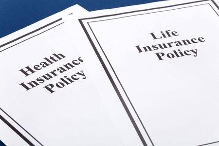 Document van de levens-en ziektekostenverzekeringen voor beleid achtergrond Stockfoto