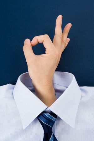 [ok] 手のしぐさとシャツ、ビジネス コンセプト