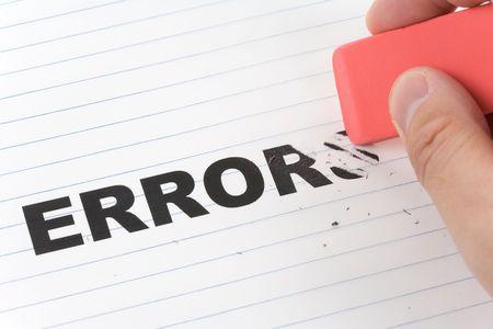 Eraser en woord fout, concept van het maken van wijzigen