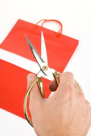 Winkelen bag en scissor concept van vertrouwen van de consument vallen
