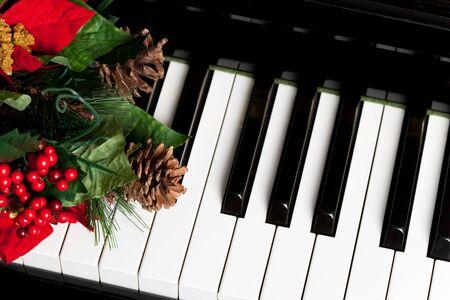 klavier:  Klaviertaste close up shot