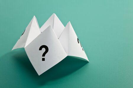 incertezza: Carta Fortune Teller, concetto di incertezza  Archivio Fotografico