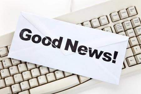 Goed Nieuws en toetsenbord van de computer, concept van e-mail Stockfoto