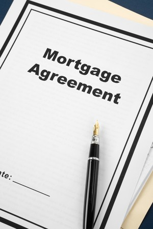 Mortgage Agreement and pen close up Imagens - 8089851