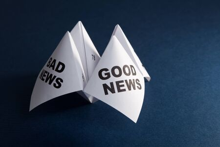 cootie catcher: Paper Fortune Teller, Good News; Bad News, concept of business decision Stock Photo