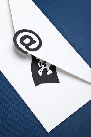 drapeau pirate: Pirate drapeau et le courriel, le concept de s�curit� de messagerie