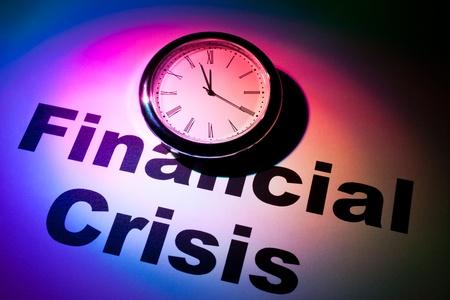 financiele crisis: Klok en woord van financiële Crisis voor achtergrond