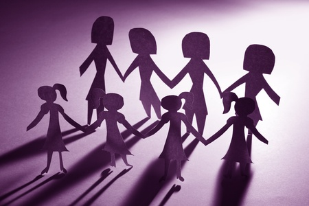 woman  shadow: Paper Chain girls and mama, concept of Teamwork Stock Photo