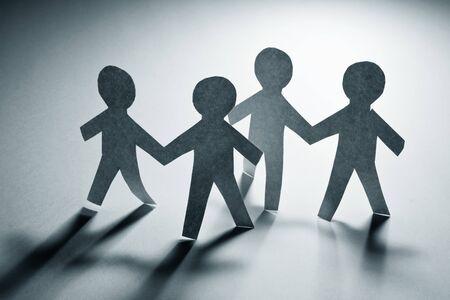 ペーパー チェーン男性、チームワークの概念