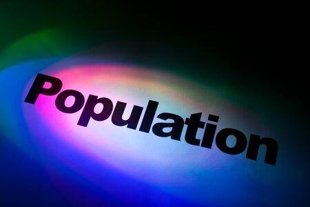 población: Color de la luz y la palabra de Población para el fondo Foto de archivo