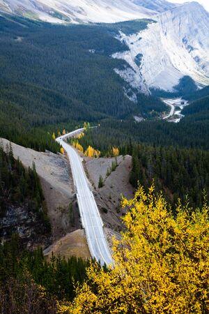 cirrus: views of Icefields Parkway and Cirrus Mountain. Yoho National park. Alberta. Canada, Oct. 2011 Stock Photo