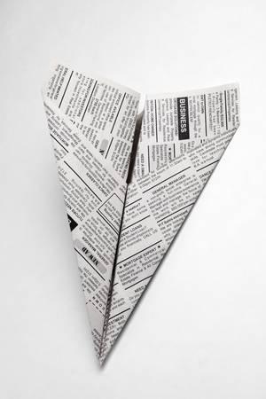 가짜 신문 비행기, 분류 광고, 비즈니스 개념.